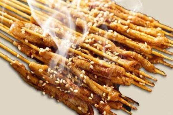 口口绝网红烤鸭肠,食客赞不绝口,烤出香辣商机