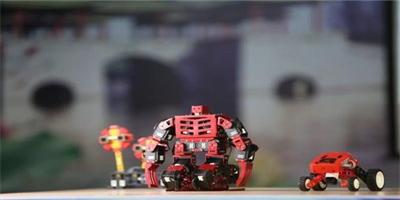 傳統的教育市場正沒落,智濤機器人憑實力拯救市場!