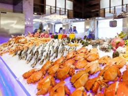 海鮮時間自助餐廳吸引消費人群,生意好做